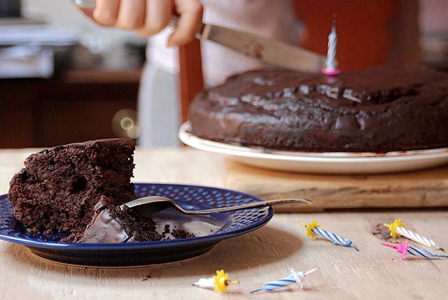 עוגת יומולדת טבעונית